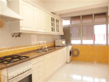Apartamento T2 / Amadora, Damaia