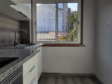 Apartamento T2 / Amadora, Mina de Água