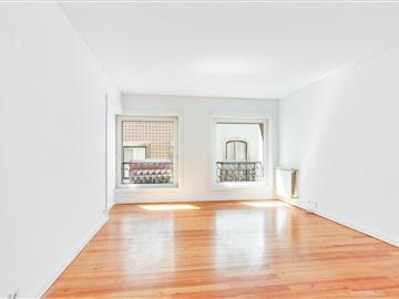 Apartamento T3 / Lisboa, Chiado - Bairro Alto