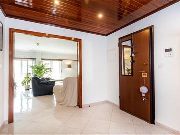 Apartamento T3 / Oeiras, Portela de Carnaxide