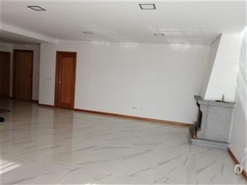 Apartamento T3 / Oliveira de Azeméis, Cesar