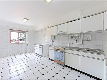 Apartamento T4 / Almada, Laranjeiro