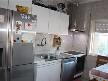 Apartment Floor Dwelling T5 / Gondomar, Rio Tinto - Forno