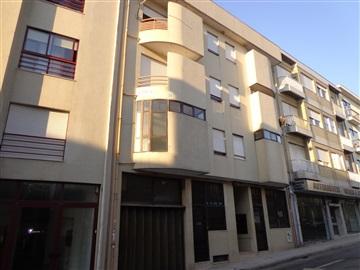 Apartment T1 / Porto, Constituição