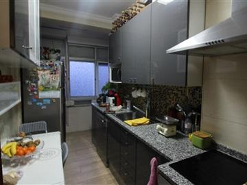 Apartment T2 / Amadora, Carenque