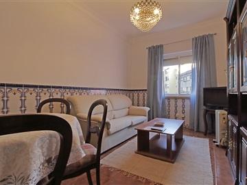 Apartment T2 / Amadora, Venteira