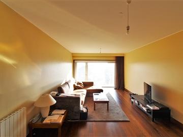 Apartment T2 / Vila Nova de Gaia, Alameda Jardins Arrábida