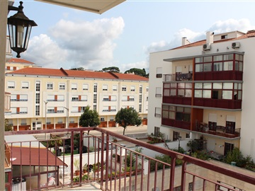 Apartment T3 / Leiria, Gordalina