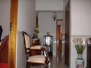 Apartment T3 / Seixal, Amora