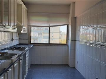 Apartment T3 / Seixal, Paivas