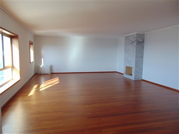 Apartment T5 / Porto, Av. Boavista
