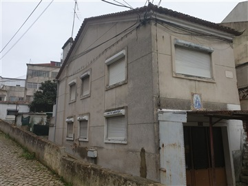 Building / Almada, Almada, Cova da Piedade, Pragal e Cacilhas