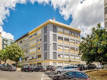 Building / Lisboa, Lapa