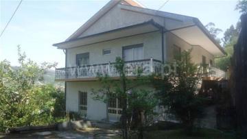 Casa T3 / Fafe, Freitas e Vila Cova