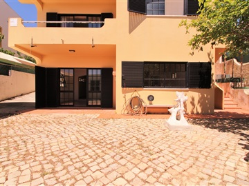Casa T3 / Olhão, Quelfes