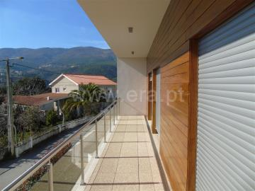 Casa T5 / Vila Real, Adoufe e Vilarinho de Samardã