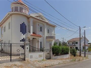 Detached house T3 / Almada, Quinta do Bau Bau