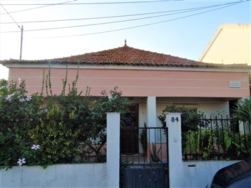 Detached house T4 / Almada, Vale Figueira