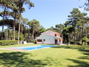Detached house T5 / Sintra, Colares