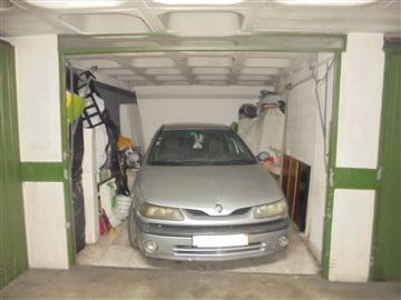 Garaje / Sintra, Queluz
