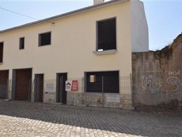 House / Bragança, Izeda, Calvelhe e Paradinha Nova