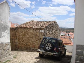House / Idanha-a-Nova, Segura