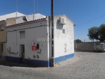 House T1 / Nisa, Nisa