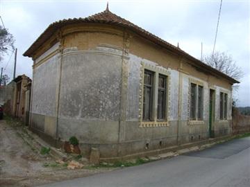 House T2 / Albergaria-a-Velha, Alquerubim