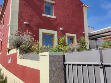 House T2 / Sintra, Penedo