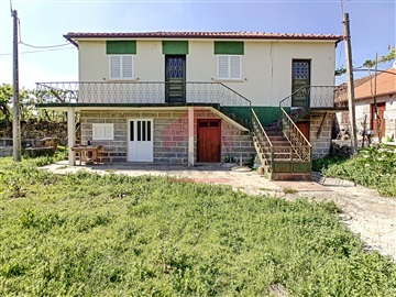 House T3 / Fafe, Medelo