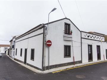House T3 / Ponta Delgada, Relva
