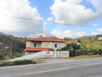 House T4 / Baião, Ancede e Ribadouro