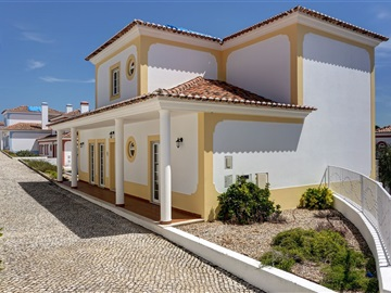 House T4 / Bombarral, Carvalhal