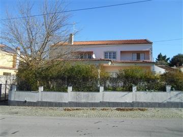 House T4 / Nisa, Nisa