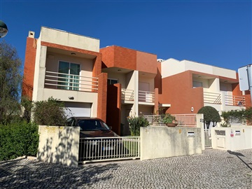 House T4 / Oeiras, Quinta do Torneiro