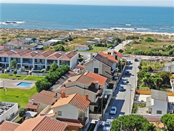 House T4 / Vila Nova de Gaia, Madalena