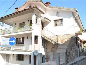 House T6 / Penafiel, Paço de Sousa