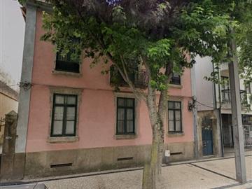 House T6 / Vila Nova de Gaia, Avenida República