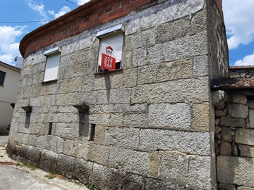 Maison T2 / Tondela, Caparrosa e Silvares