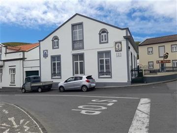Moradia Geminada T9 / Ponta Delgada, Ginetes