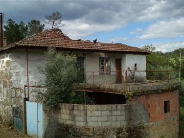 Moradia Geminada / Viseu, Fragosela