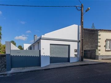Moradia Isolada T2 / Ponta Delgada, São Vicente Ferreira