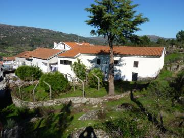 Moradia Isolada T3 / Celorico da Beira, Celorico (São Pedro e Santa Maria) e Vila Boa do Mondego
