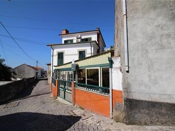 Moradia Isolada T4 / Vila Nova de Gaia, Oliveira do Douro