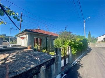 Moradia T3 / Vila Nova de Famalicão, Vale (São Martinho)