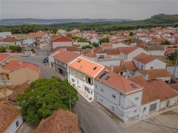 Prédio T4 / Rio Maior, Azinheira