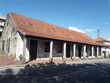Prédio / Vila Nova de Famalicão, Delães
