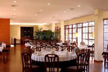 Restaurant / Mira, Mira Villas