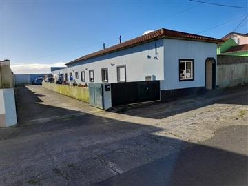 Semi-detached house T3 / Ponta Delgada, Arrifes
