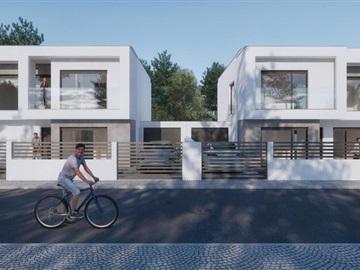 Semi-detached house T4 / Almada, Aroeira